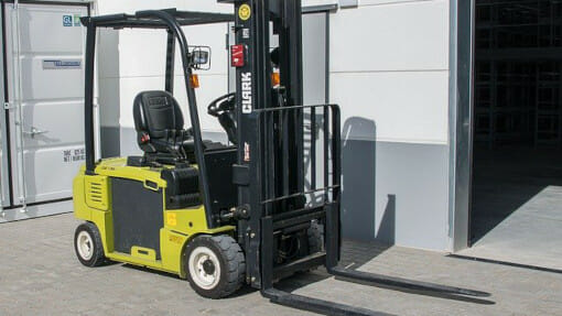 forklift truck and storage container
